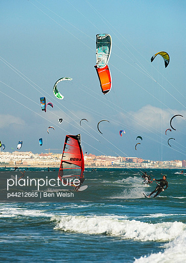 kite surfing on dos mares beach in front of hotel dos mares; tarifa, costa de la luz, andalusia, spain