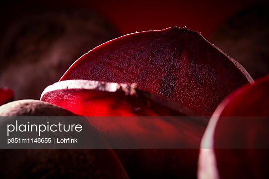 Rote Beete - p851m1148655 von Lohfink