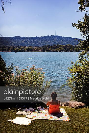 Menschen am Zürichsee - p1271m1159317 von Maurice Kohl