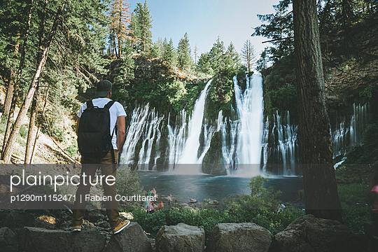 Burney Falls, Kalifornien - p1290m1152471 von Fabien Courtitarat