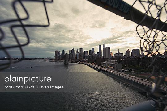 p1166m1150578 von Cavan Images