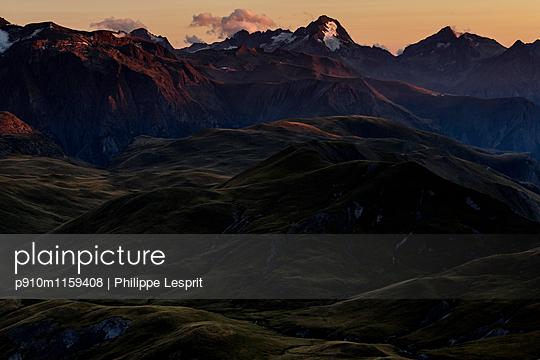 Plateau d'Emparis Abendrot in den Alpen - p910m1159408 von Philippe Lesprit