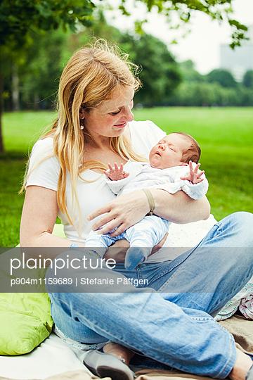 Mutter und Kind - p904m1159689 von Stefanie Neumann