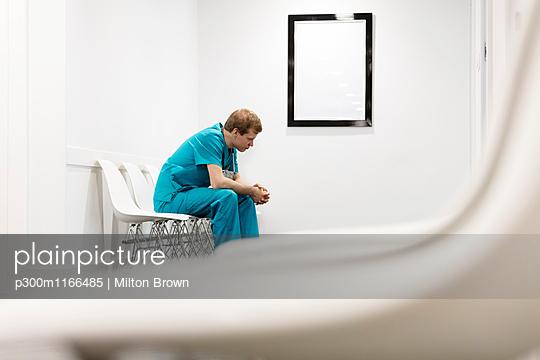p300m1166485 von Milton Brown