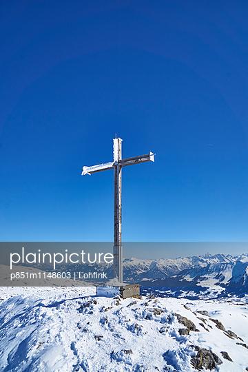 Gipfelkreuz - p851m1148603 von Lohfink