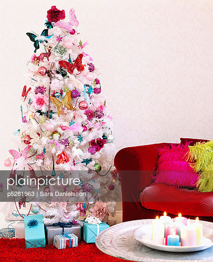 Christmas tree decorated in pink