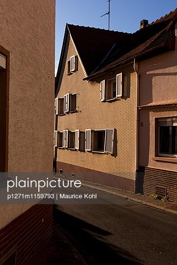 Kleinstadt im Taunus - p1271m1159793 von Maurice Kohl