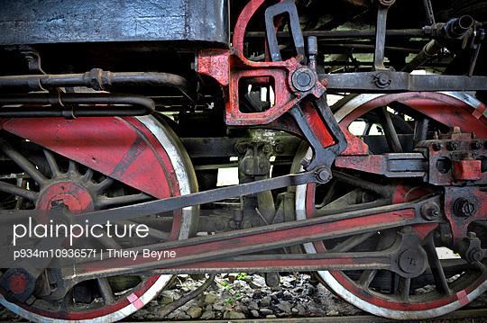 Wheels of a steam engine in Dalat train station