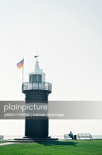 Leuchtturm - p992m1159092 von Carmen Spitznagel