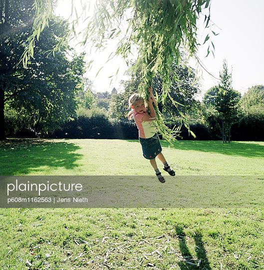 Kindheit - p608m1162563 von Jens Nieth