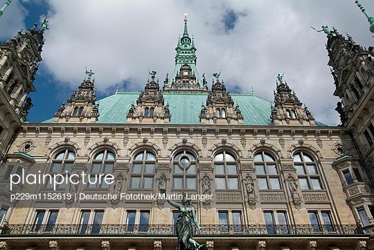 Hamburg Rathaus - p229m1152619 von Martin Langer