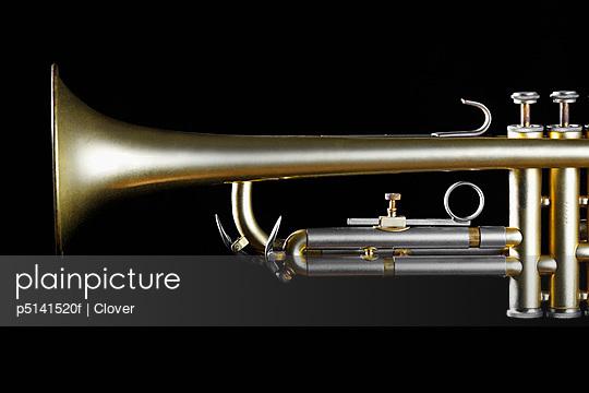 Single trumpet (close-up)