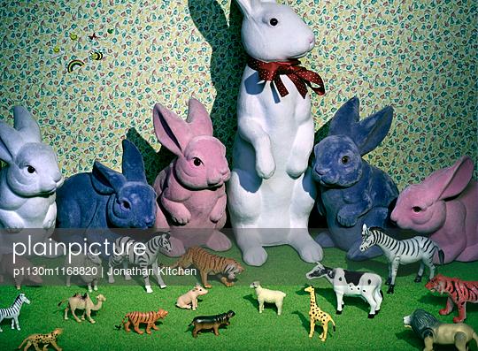 Viele Spielzeugtiere - p1130m1168820 von Jonathan Kitchen