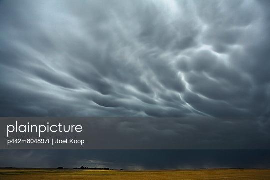Mammatus storm clouds above the saskatchewan prairies;Saskatchewan canada
