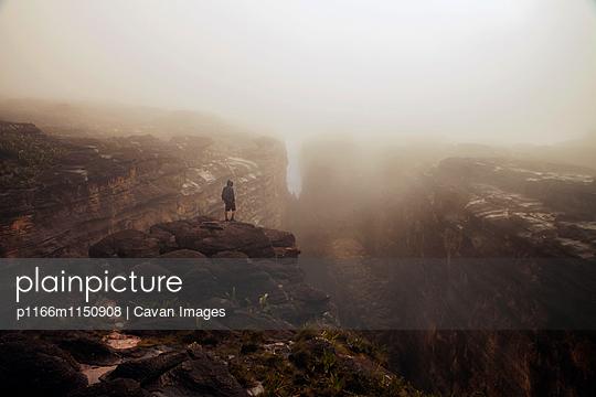 p1166m1150908 von Cavan Images