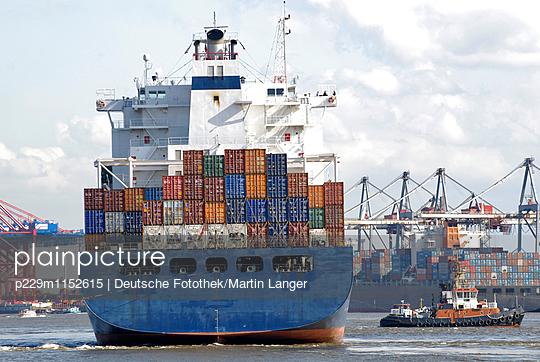 Hamburg Hafen - p229m1152615 von Martin Langer