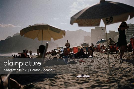 Copacabana - p1321m1149768 von Gordon Spooner