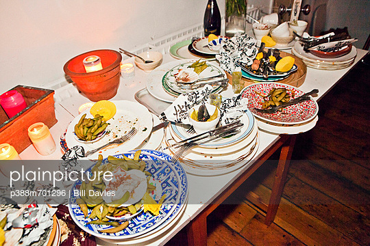 Table with stacks of dishes