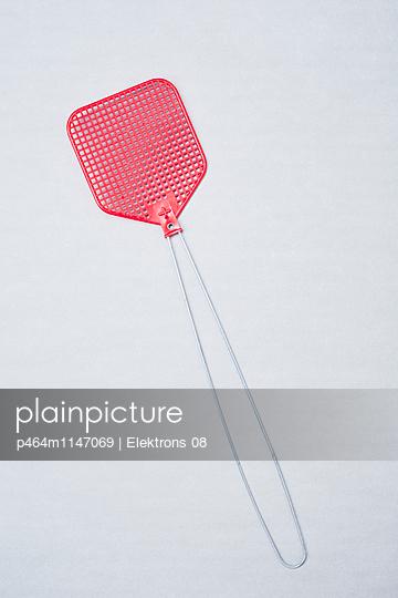 Fliegenklatsche - p464m1147069 von Elektrons 08