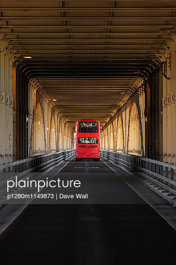 Doppeldecker - p1280m1149873 von Dave Wall