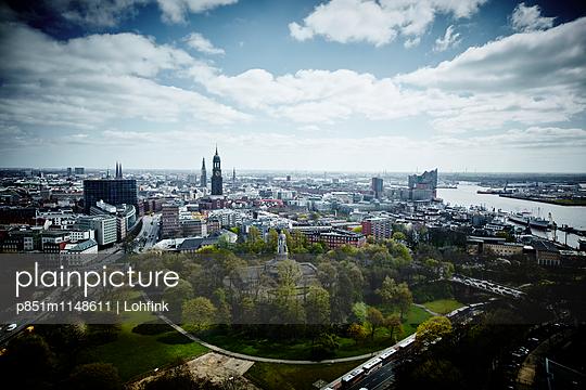 Blick auf Hamburg - p851m1148611 von Lohfink