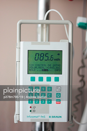 Liquid volume medical instrument   Stock Images Page   Everypixel