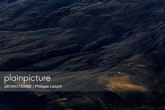 Plateau d'Emparis in der Abenddämmerung  - p910m1159403 von Philippe Lesprit