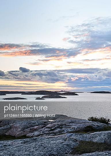 Schärenküste in Schweden - p1124m1165593 von Willing-Holtz