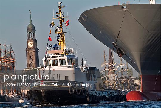 Hamburger Hafen - p229m1152603 von Martin Langer