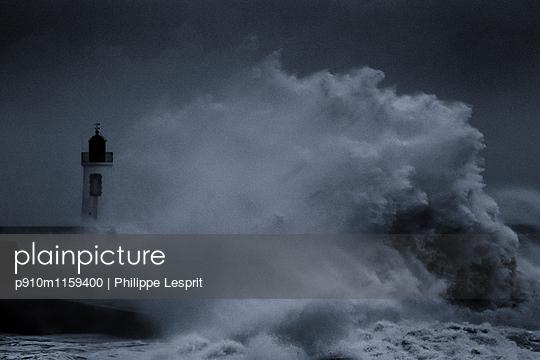 Brandungswellen an der Küste - p910m1159400 von Philippe Lesprit