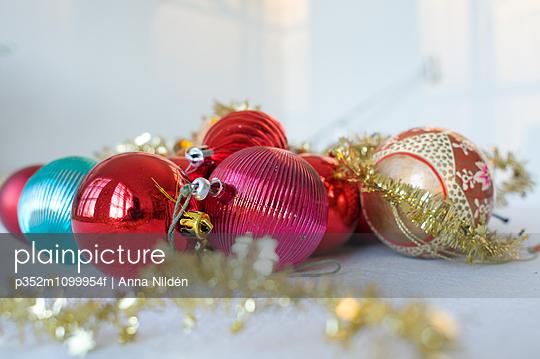 Decorated Christmas bulbs
