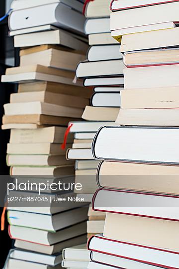 Heap of books III