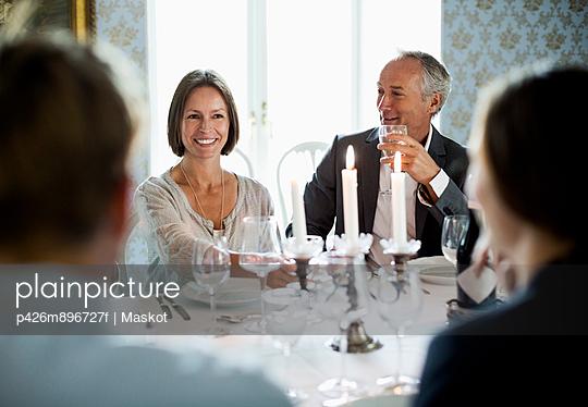 Business team dining in restaurant