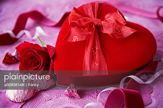 Romantic Box of Valentine\'s Day Chocolates