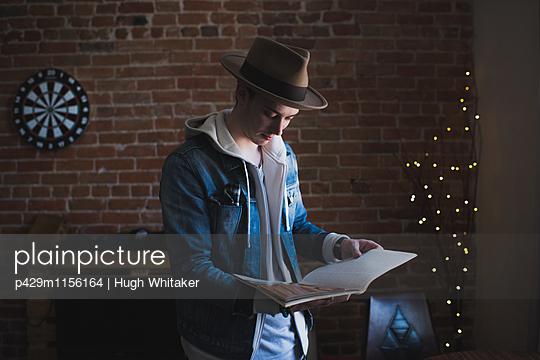 p429m1156164 von Hugh Whitaker