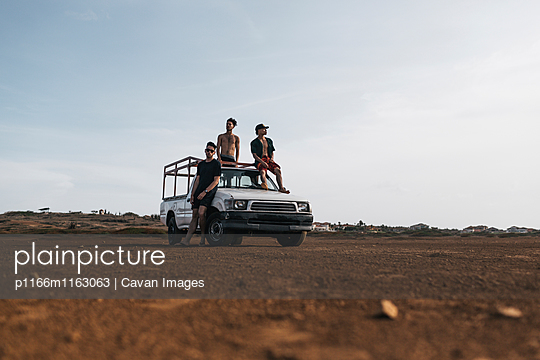 p1166m1163063 von Cavan Images