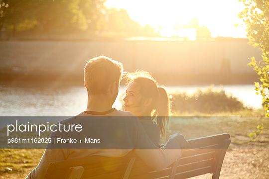 Rendezvous - p981m1162825 von Franke + Mans