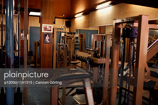 Bodybuiling-Studio - p1200m1161315 von Carsten Görling