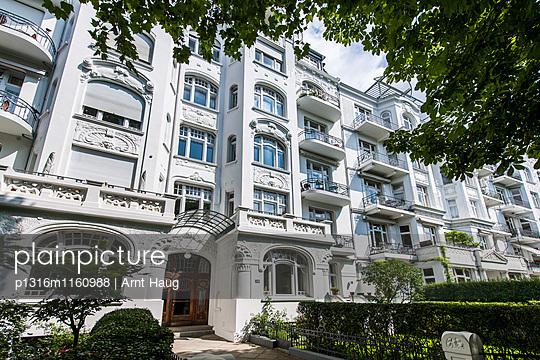 Jugendstilwohnhaus, Eppendorf, Hamburg, Deutschland - p1316m1160988 von Arnt Haug