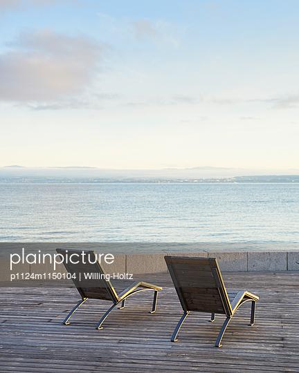 Liegestühle am Genfer See - p1124m1150104 von Willing-Holtz