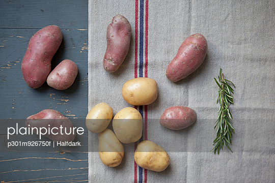 Directly above shot of potatoes on table