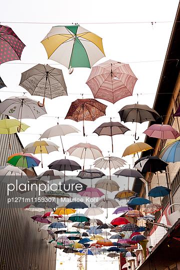 Verschiedene Regenschirme - p1271m1159307 von Maurice Kohl