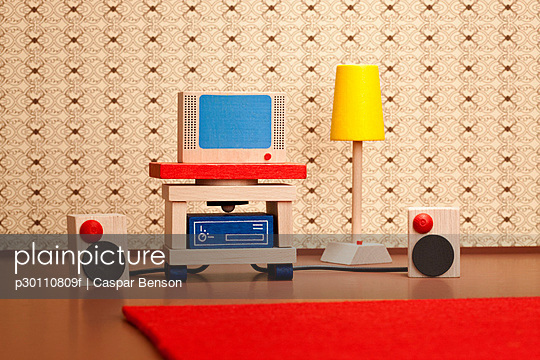Miniature wooden television and stereo speakers