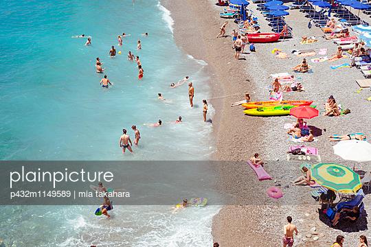Badestrand in Amalfi - p432m1149589 von mia takahara