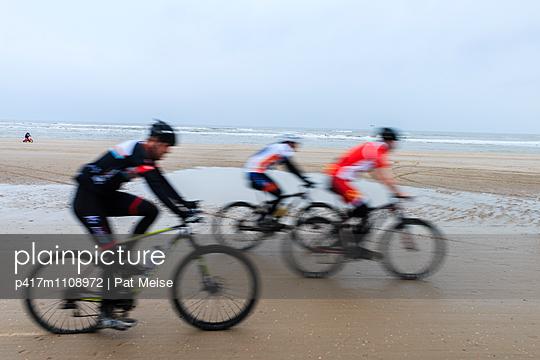 Race on the beach