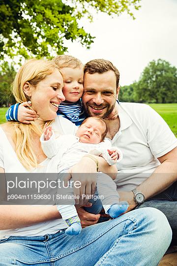 Familienportrait - p904m1159680 von Stefanie Neumann