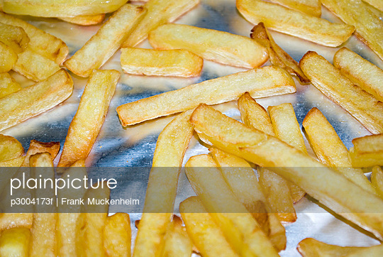 French fries on baking tray