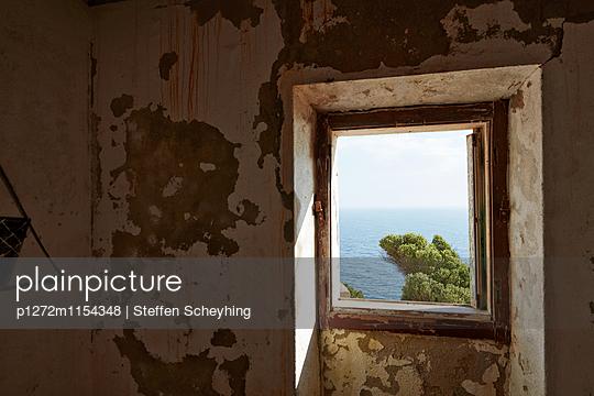 Fenster zum Meer - p1272m1154348 von Steffen Scheyhing