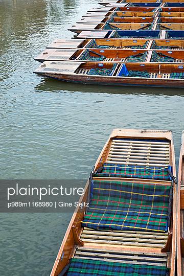 Boote - p989m1168980 von Gine Seitz