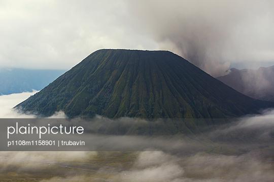 Der Semeru Vulkan auf Java - p1108m1158901 von trubavin